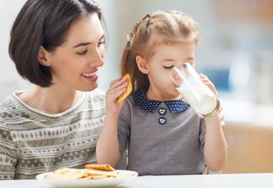 Флуорът в млякото намалява зъбните кариеси